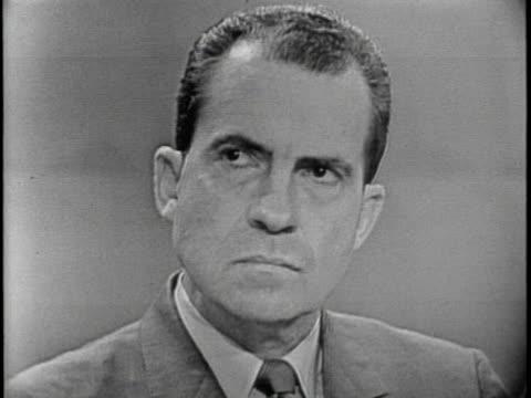 vidéos et rushes de on september 26 1960,êmassachusetts democraticêsenator john f. kennedy makes his opening statement as vice president richard nixon looks and listens... - richard nixon