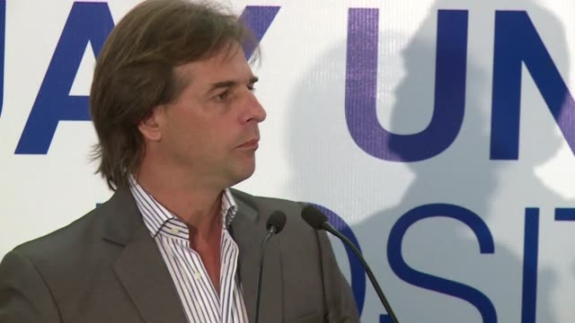 stockvideo's en b-roll-footage met on sunday april 30th uruguay will hold its primaries to nominate the presidential candidate for every political party - presidentskandidaat