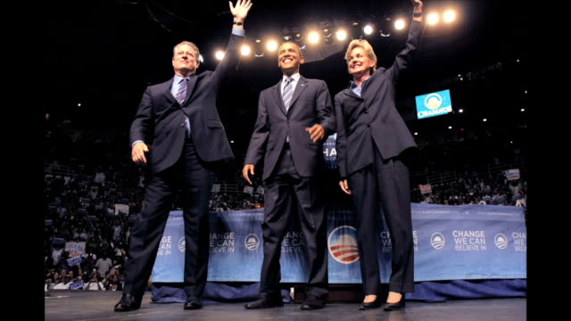 vídeos de stock, filmes e b-roll de former us vice president al gore endorses democratic presidential candidate sen barack obama at a rally at joe louis arena june 16 2008 in detroit... - a. gore
