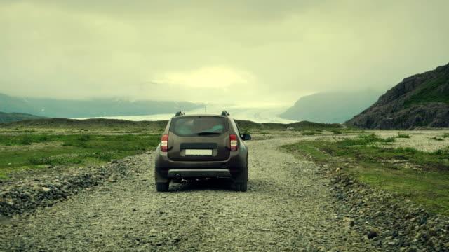 vidéos et rushes de sur la route. voyage islandais - 4x4