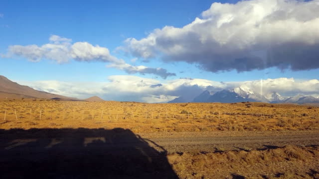 on the way to torres del paine - südamerika stock-videos und b-roll-filmmaterial