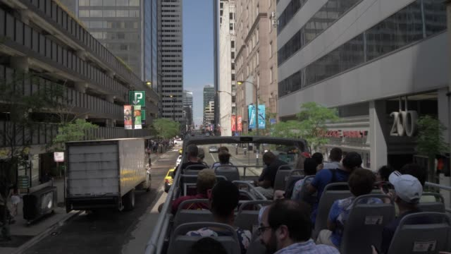 onboard open top bus shot of city streets of chicago, chicago, illinois, united states of america, north america - double decker bus stock videos & royalty-free footage