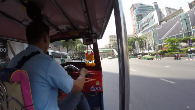 onboard tuk-tuk on streets of bangkok, bangkok, thailand, southeast asia, asia - jinrikisha stock videos & royalty-free footage