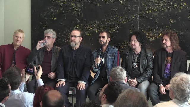 once a drummer with the world's most famous band the beatles ringo starr fronts a cast of rock legends as he brings his all starr band to paris - rock moderno video stock e b–roll