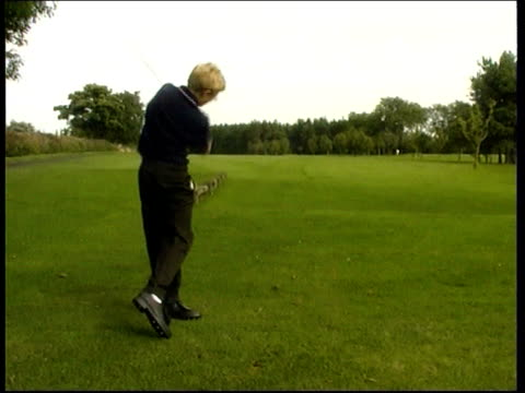 one armed golfer scores hole in one england darlington darren grey along onto golf course and tees off darren grey interviewed sot i think it's a... - darlington north east england stock videos & royalty-free footage