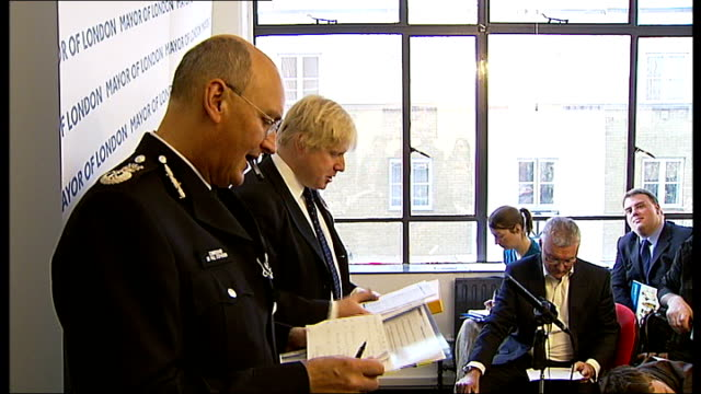 one day in the diary of london mayor boris johnson england london boris johnson carrying bike down steps from his house as greets itn reporter sot... - plantation stock videos & royalty-free footage