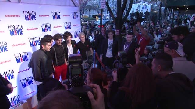 one direction members liam payne zayn malik niall horan louis tomlinson harry styles at 'big time movie' starring big time rush original tv movie... - 2012 stock videos & royalty-free footage