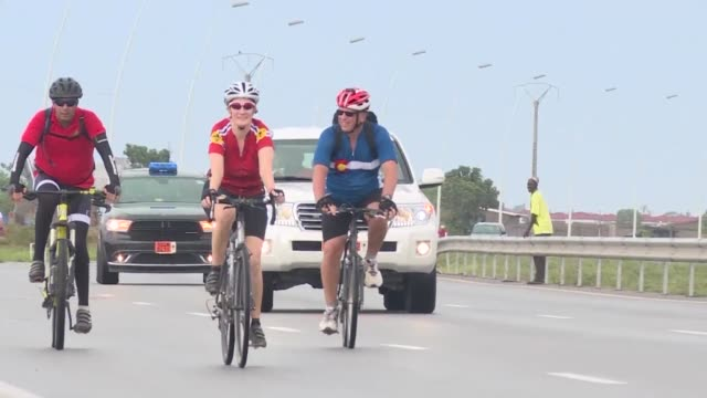 One hundred cyclists hit the roads of Abidjan paying tribute to the 19 victims of the March 2016 attack in the seaside resort of Grand Bassam