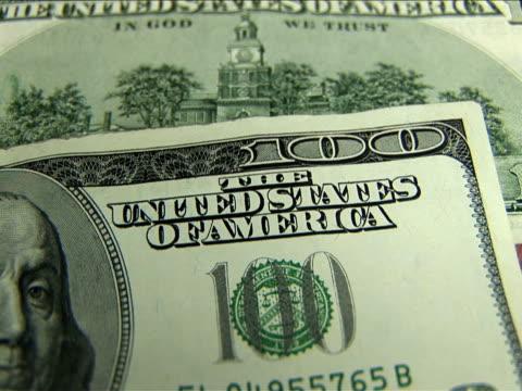 ecu, zi, one hundred dollar bill - ベンジャミン・フランクリン点の映像素材/bロール