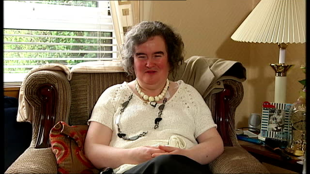 one hundred million people log on to youtube to view susan boyle on 'britain's got talent'; scotland: west lothian: susan boyle interview sot - it's... - スーザン ボイル点の映像素材/bロール
