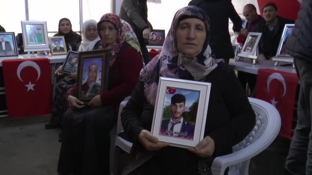 one more mother has joined the ongoing protest against the ypg/pkk terror group in diyarbakir, southeast turkey on march 01, 2020. blaming the... - 14 15 years stock videos & royalty-free footage