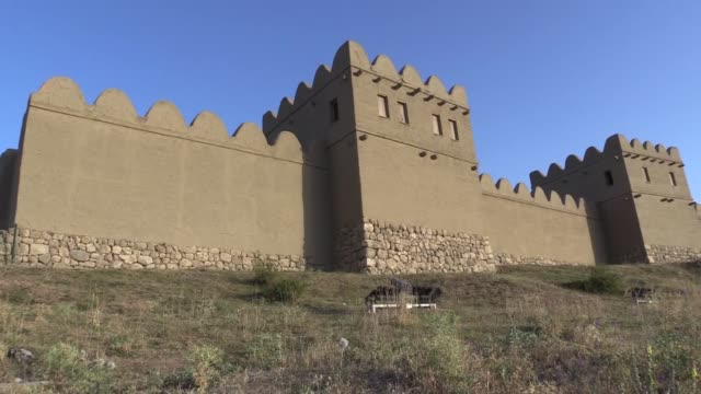 one of the first civilizations in anatolia is located in turkey's black sea province of corum hattusha capital of the hittite empire dates back to... - archeologia video stock e b–roll