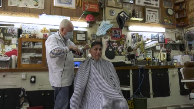 one of the oldest and coolest barbershops in houston open since 1929 and one which starred in the 1998 classic film rushmore opens its doors after... - mt rushmore national monument stock videos & royalty-free footage