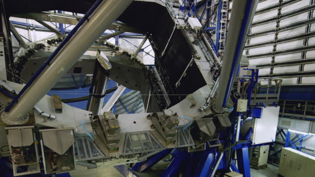 t/l, ws one of the vlt telescopes repositioning at paranal observatory / chile - astronomy telescope stock videos and b-roll footage