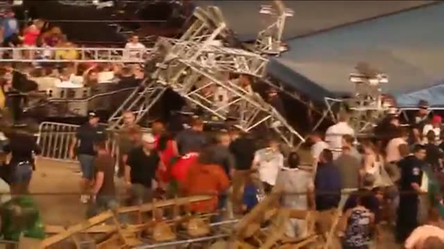 one year after a stage collapsed at the indiana state fair, killing 7 and injuring 58, a stagecoach flips over injuring 4 on august 13, 2012 in... - fiera agricola video stock e b–roll
