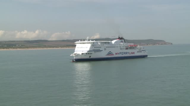 one year after it was set up the cross channel ferry company myferrylink announces a market share of almost 11% on cross channel freight traffic as... - passagier wasserfahrzeug stock-videos und b-roll-filmmaterial
