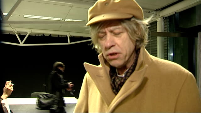 stockvideo's en b-roll-footage met one young world summit opens in london int geldof and tutu along sir bob geldof interview sot talks of why he is supporting the one young world... - hispaniola