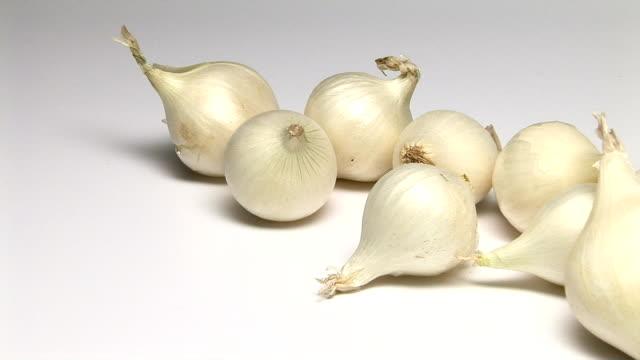 vídeos y material grabado en eventos de stock de onions - grupo mediano de objetos