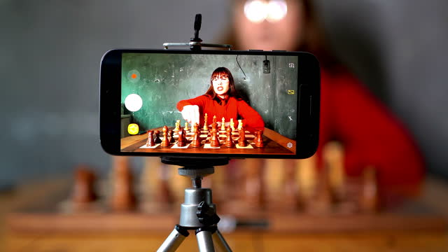 オンラインチェスレッスン - チェス点の映像素材/bロール