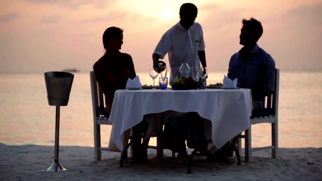 only the best service for those special occasions - dinera bildbanksvideor och videomaterial från bakom kulisserna