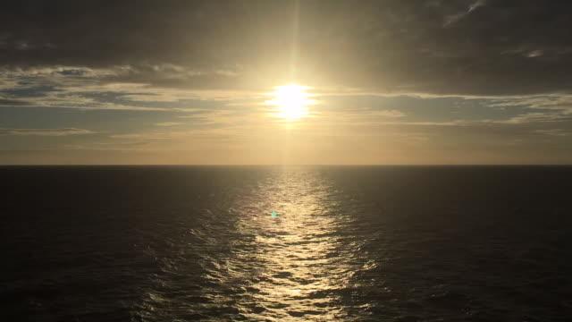 opean sea sunset - crociera video stock e b–roll