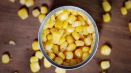 Open a tin of corn rotates slowly.
