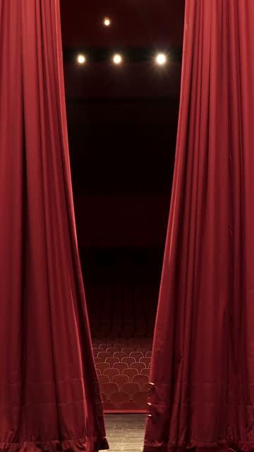 vidéos et rushes de ouvrez, fermer le rideau de scène de la convention, centre de théâtre - curtain