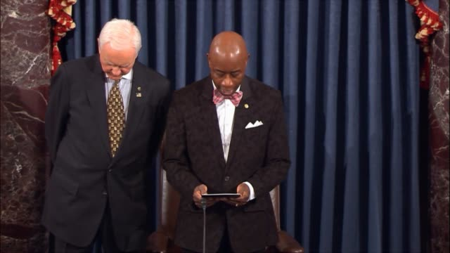 opening a session of the senate a day after over 500 were shot at a las vegas concert senate chaplain barry black prays that despite the horrific act... - controllo delle armi da fuoco video stock e b–roll
