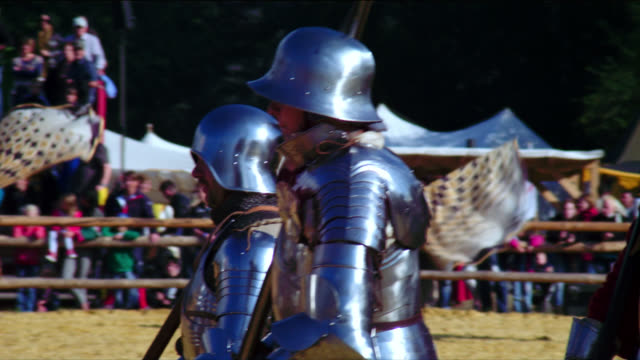 opening ceremony medieval tournament marching armoured infantery troops - cavalleria video stock e b–roll