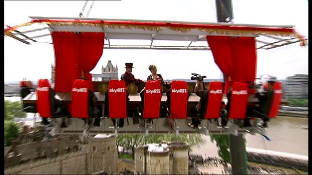 stockvideo's en b-roll-footage met aerial performance to publicise accessible opera england london tower of london ext lesley garrett singing 'o mio babbino caro' sot - lesley garrett