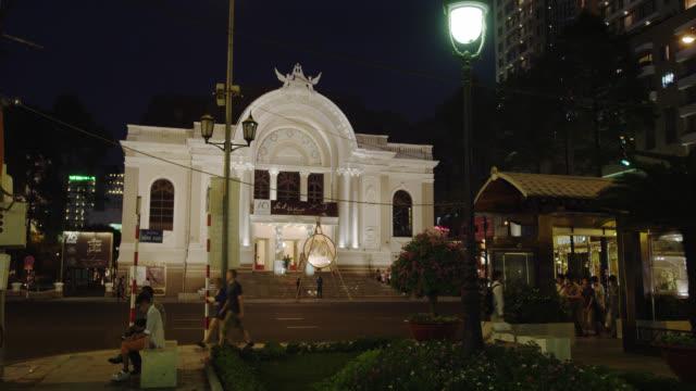 stockvideo's en b-roll-footage met opera house early evening - operahuis
