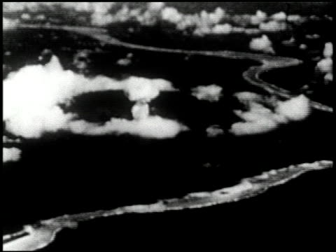 vídeos de stock e filmes b-roll de able and baker day tests bikini atoll summer 1946 11 of 25 - veja outros clipes desta filmagem 2240
