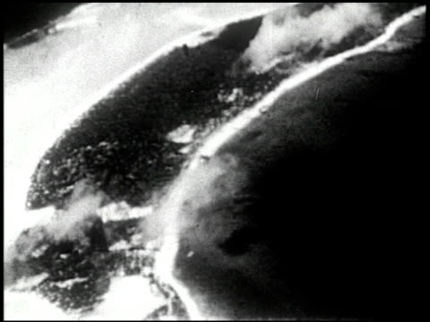 vídeos de stock e filmes b-roll de able and baker day tests bikini atoll summer 1946 3 of 25 - veja outros clipes desta filmagem 2240