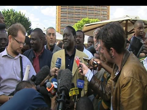 opposition leader raila odinga talks to press following results of presidential elections kenya 1 january 2009 - raila odinga stock videos and b-roll footage