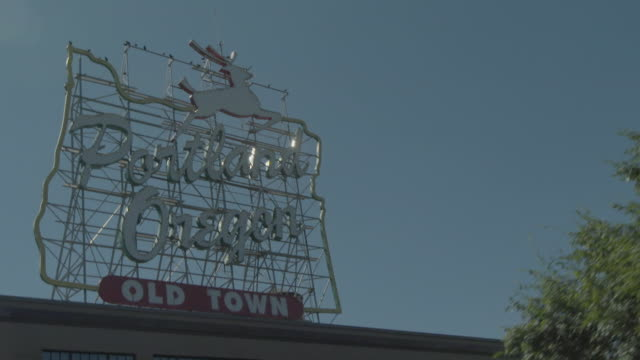 sept_2018_portland or_white stag sign_portland oregon_old twon sign - portland oregon old town stock videos & royalty-free footage