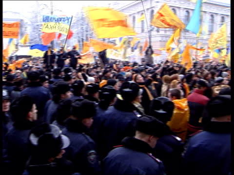 general views from kiev street protests general view of crowds crowds chanting sot / speeches on stage sot / people along - ukraine stock videos & royalty-free footage