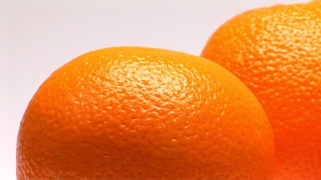 vidéos et rushes de oranges - écorce