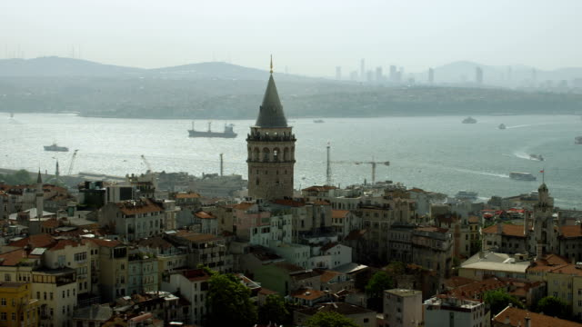 stockvideo's en b-roll-footage met orbit around galata tower in istanbul - istanboel