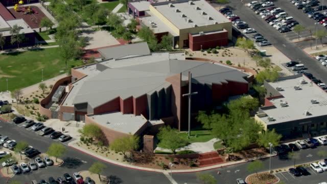orbital shot of the shadow hills church in las vegas - las vegas crosses stock-videos und b-roll-filmmaterial