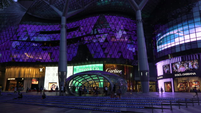 ion orchard mall, shopping district of orchard road, singapore, south east asia - 標識点の映像素材/bロール