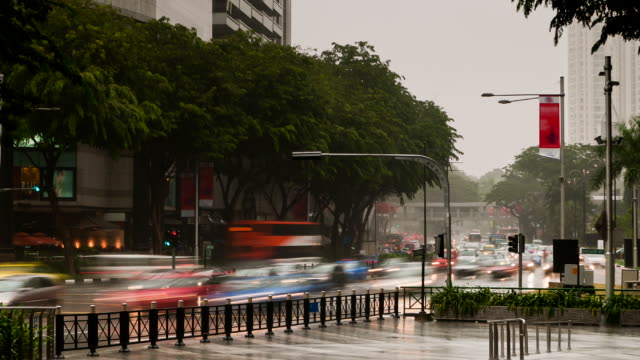 Orchard Road a chover dia em Time Lapse