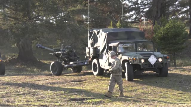 oregon army national guard soldiers from 2nd battalion, 218th field artillery regiment conduct training at camp rilea, warrenton, oregon. - howitzer stock videos & royalty-free footage