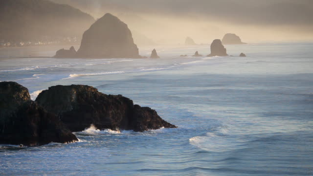hd oregon coast at dusk - cannon beach stock videos & royalty-free footage