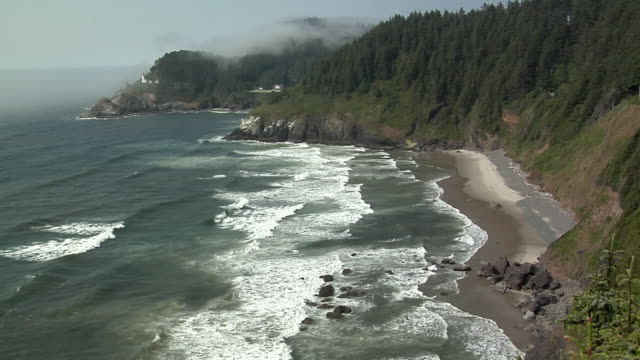 ha, ws, oregon coast, heceta head lighthouse in distance , oregon, usa - heceta head stock videos & royalty-free footage