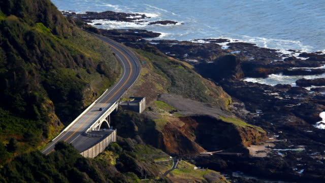 stockvideo's en b-roll-footage met oregon coast road - highway 101 - oregon coast