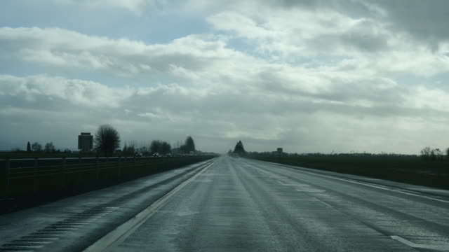 Oregon highway in cloudy weather