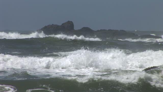 oregonview of waves in oregon coast pacific northwest united states - oregon coast stock videos & royalty-free footage
