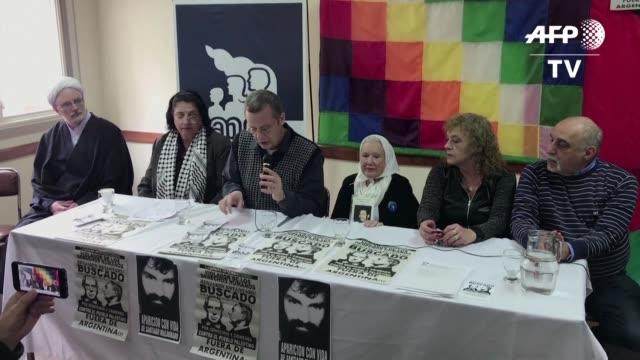 organismos defensores de los derechos humanos y partidos de izquierda de argentina anunciaron una marcha contra la visita del primer ministro de... - mauricio macri stock videos and b-roll footage
