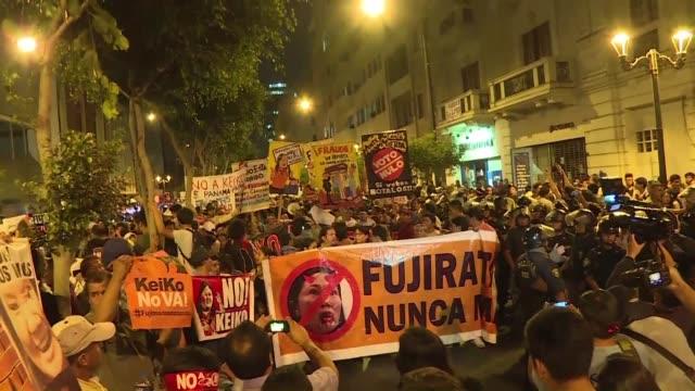 Organizaciones contrarias a la candidatura presidencial de Keiko Fujimori marcharon en Peru este martes el mismo dia en que se cumplen 24 anos del...