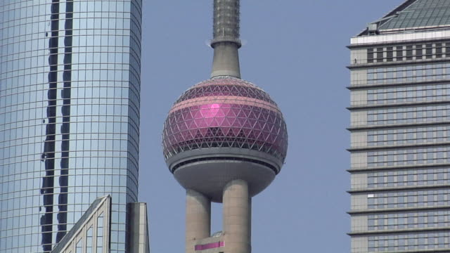 MS Oriental Pearl Tower/ ZO WS Bank of China, Oriental Pearl Tower, and Bocom Financial Towers/ Shanghai, China